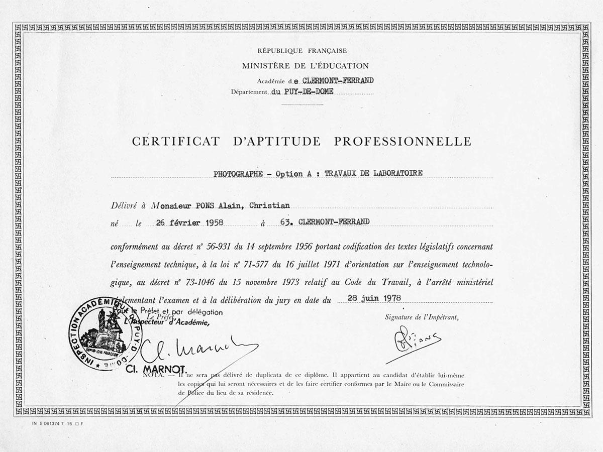 diplôme du certificat d'aptitude professionnelle photographie attribué à Alain Pons en 1978